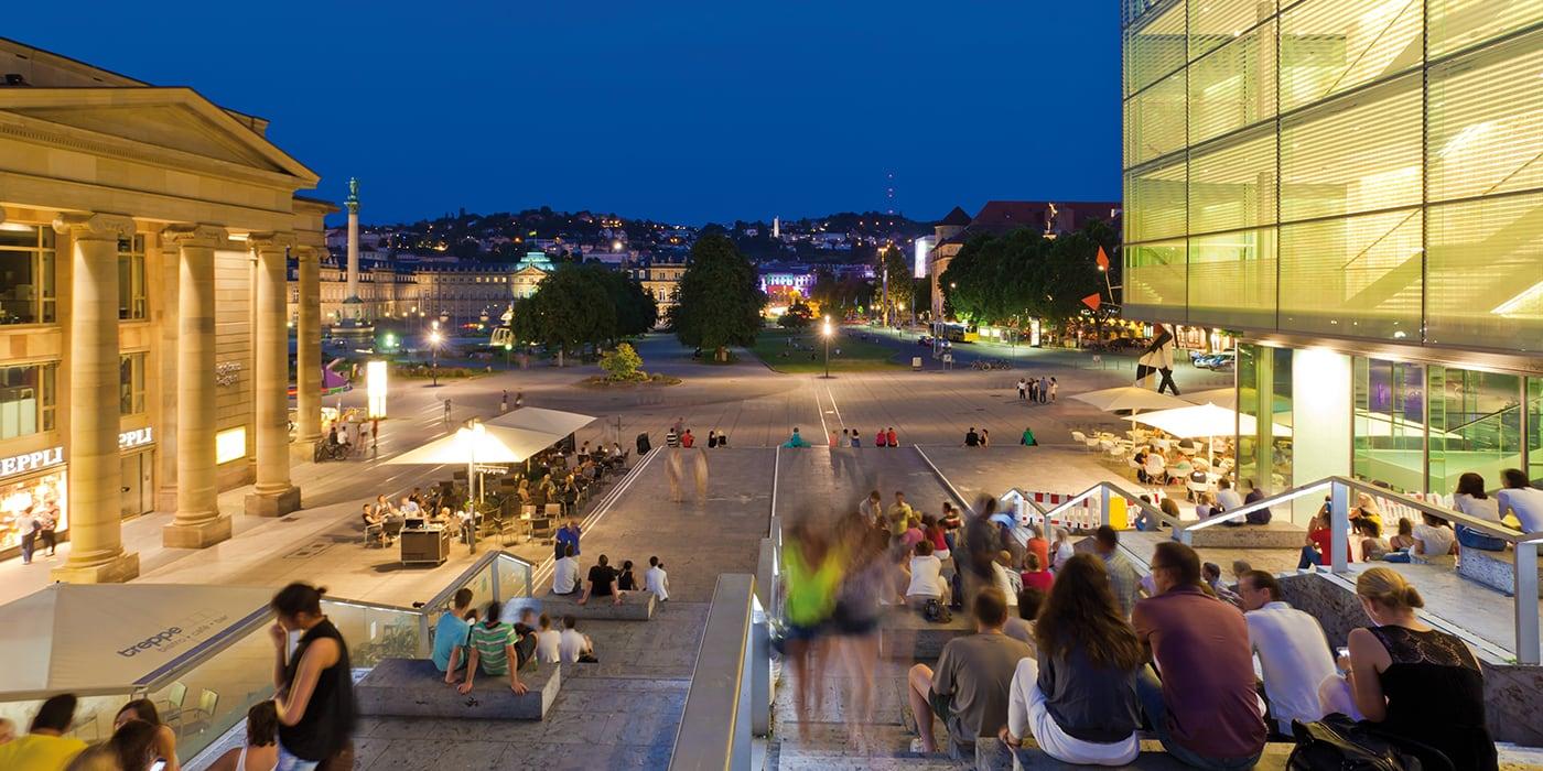 Schlossplatz und Kunstmuseum Stuttgart